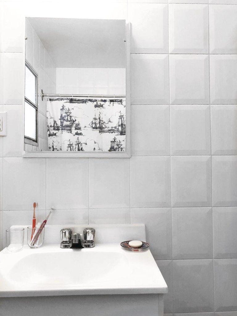 salle de bain minimalist, bathtub, ikea